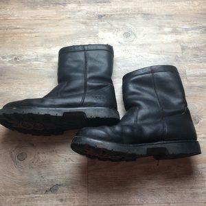 Ugg black boots men's sn 5144